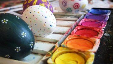 malowanie jajek wielkanoc