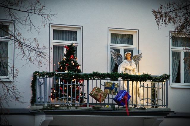 bożonarodzeniowy balkon