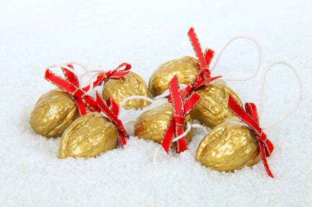 dekoracje świąteczne orzech włoski